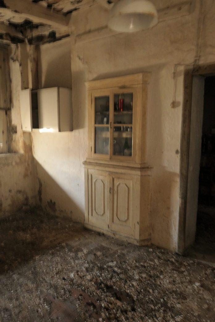 Ruin Flipper, Santa Domenica Tavola, Calabria, Italy